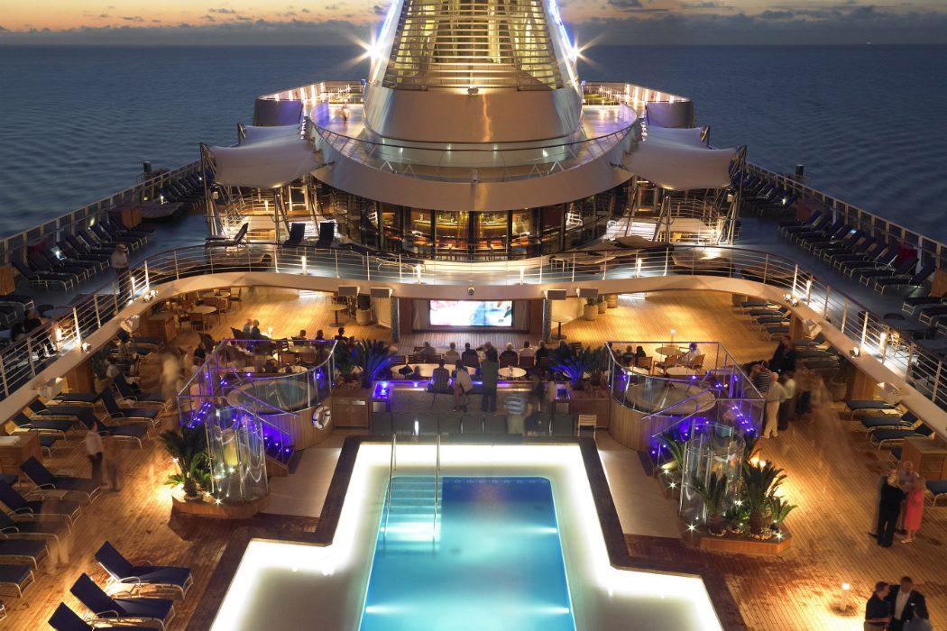 Oceania's pool deck Olife