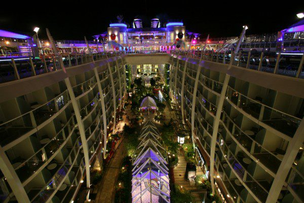 Ships: Oasis of the Seas