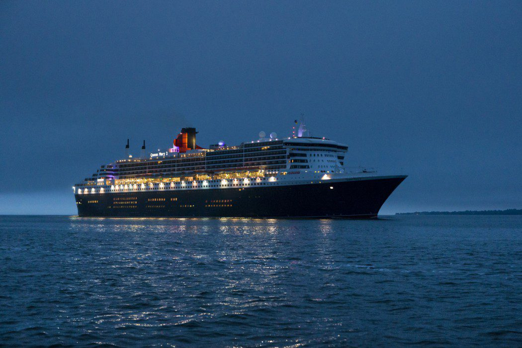 Cunard 39 s remastered queen mary 2 arrives in southampton for Queen mary 2 interieur