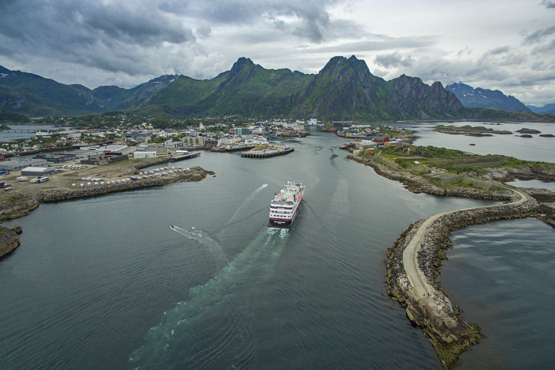 Hurtigruten spitsbergen dåp svolvær Foto Ørjan Bertelsen