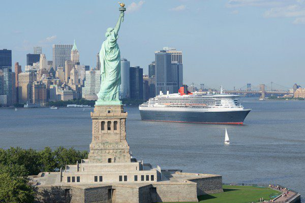 statue-of-liberty-qm2