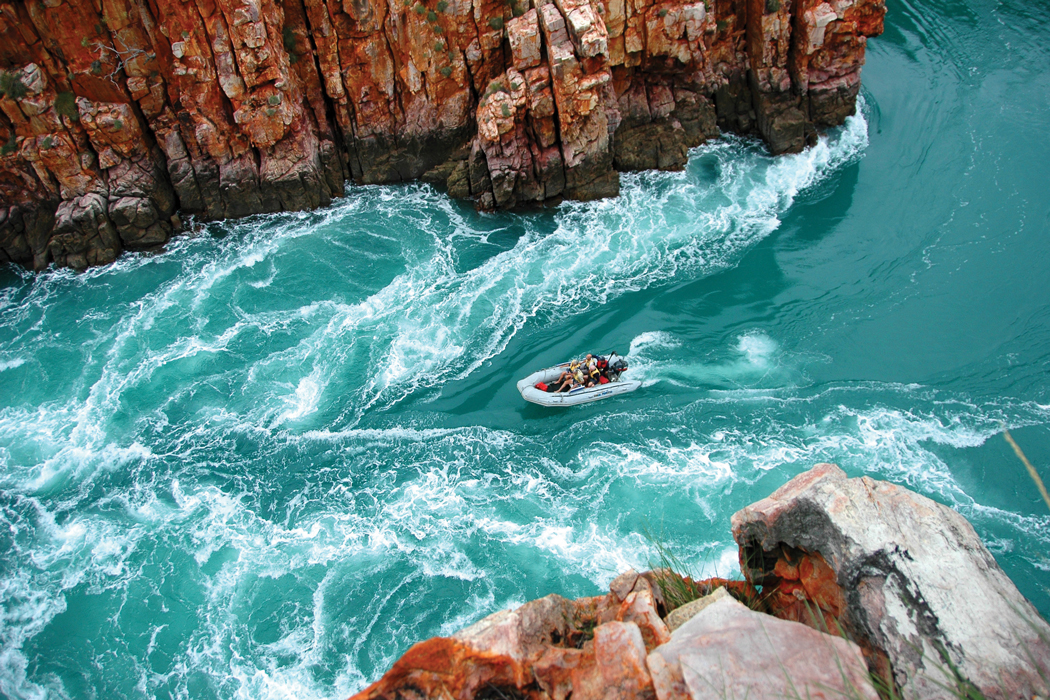coral-expeditions-kimberley-horizontal-falls-zodiac-cmyk