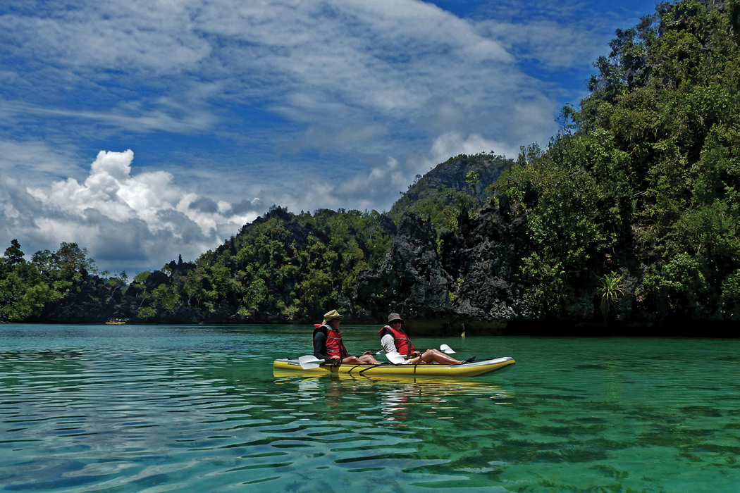 coral-expeditions-west-papua-mesemta-channel-kayak-cmyk