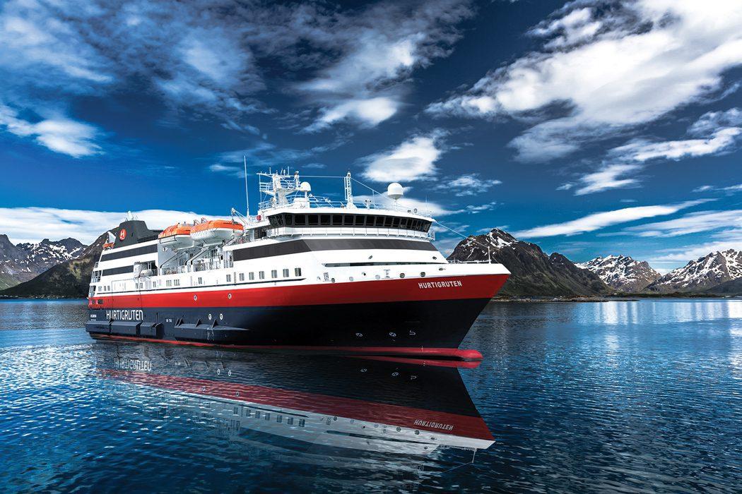 Rafsundet_Lofoten_Nytt-Hurtigruten-skip