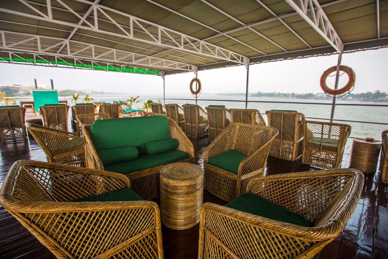 ca Adventures India Ganges Riverboat Observation Deck - 1N9A9688 Lg RGB (1)