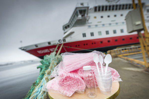 Hurtigruten Skjeldam Plast Foto Ørjan Bertelsen