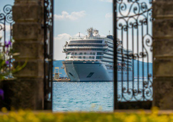 VIKING-IN-KUSADASI_11_320