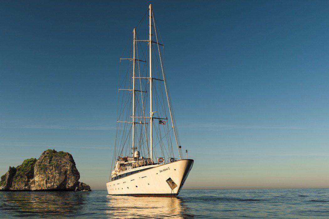 Intrepid-Travel-Peregrine-Adventures-Adventure-cruising-boat-asia-Papanek_Panorama_Exteriors-11a